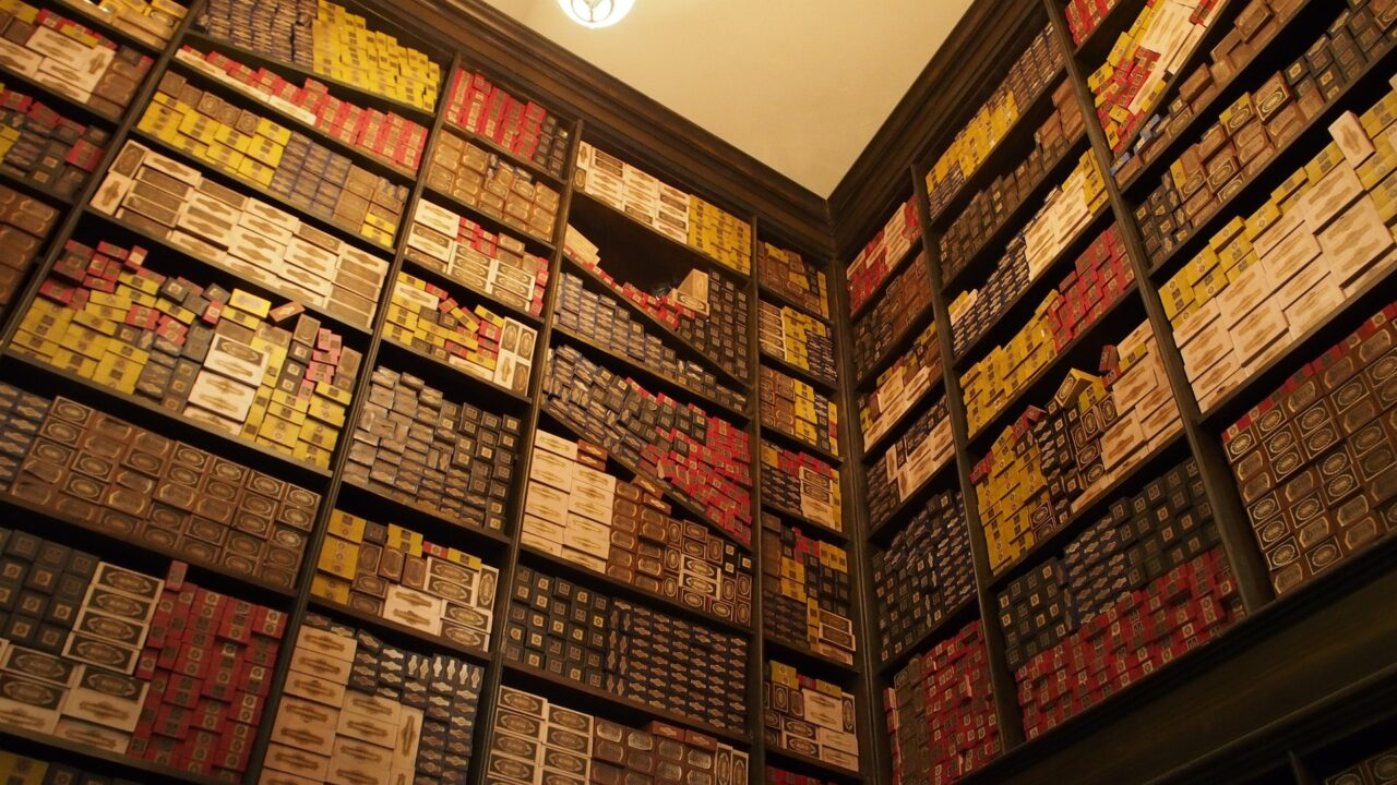 FULL List of Harry Potter Wands at the Wizarding World of Harry Potter